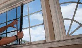 aanbrengen raamfolie plaatsen